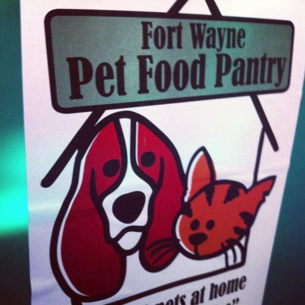 Impact 52 volunteers with pet food pantry