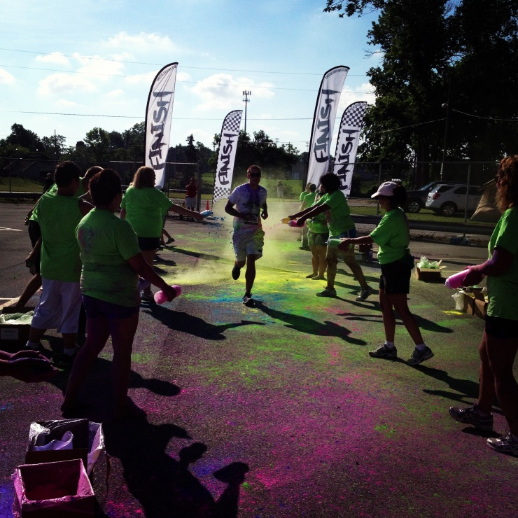 Impact 52 volunteers at the Color Vibe