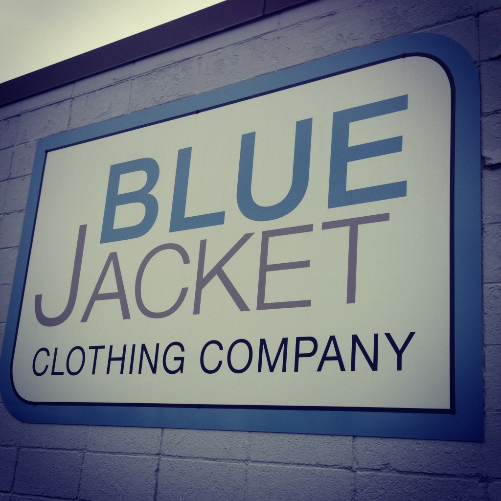 Impact 52 volunteers with Blue Jacket